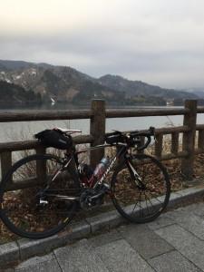 宮ヶ瀬湖は曇り